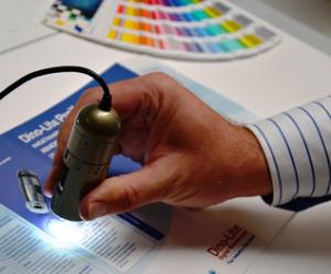 Dino-Lite Bas är ett enklare USB-mikroskop för arbetsområden där de mer avancerade funktionerna ofta är överflödiga.