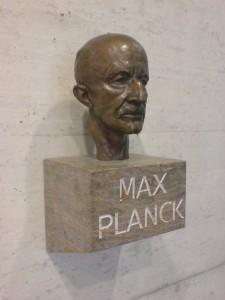 Max Planck, en av grundarna till den moderna fysiken, upptäckte universums minsta möjliga avstånd, Planck-längden. Bild: Mark Longair