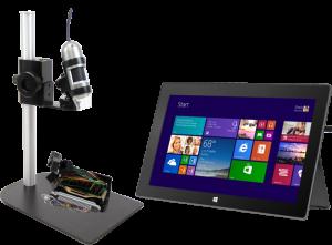 En produkt av typen Dino-Lite Mobile, kopplad direkt till en Windows-platta.